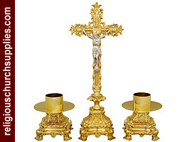Altar crucifix with candle holders in brass